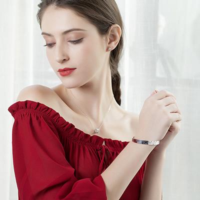 珠宝电商专业模特佩戴图